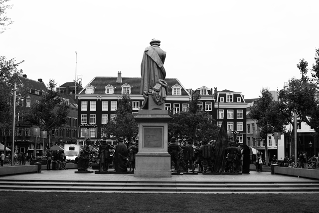 statues amsterdam
