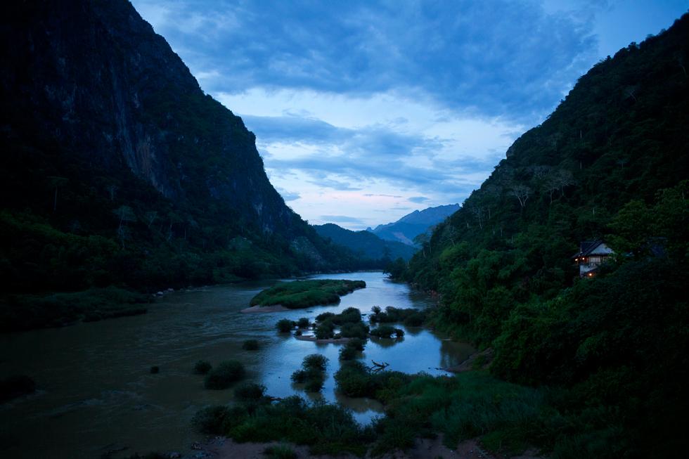 rivière Nam Ou à NongKhiauw au laos