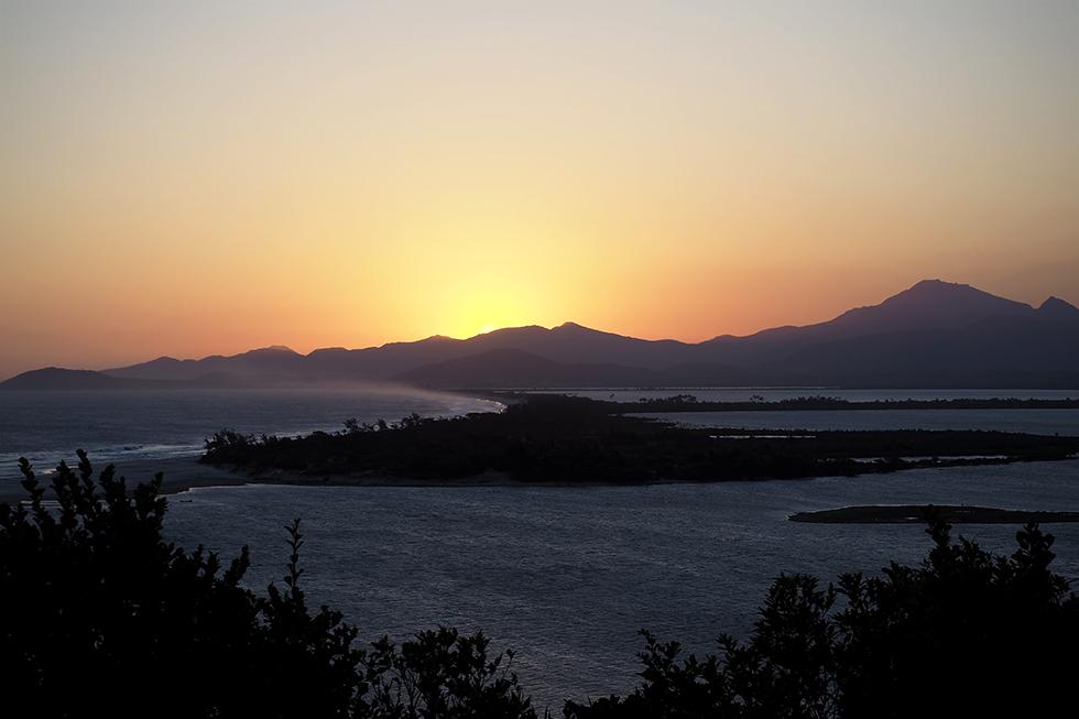 Madagascar Baie de Vinanybe coucher de soleil