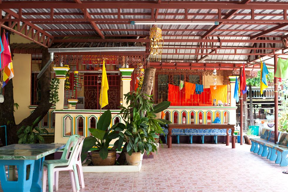 cour d'un temple ventiane laos