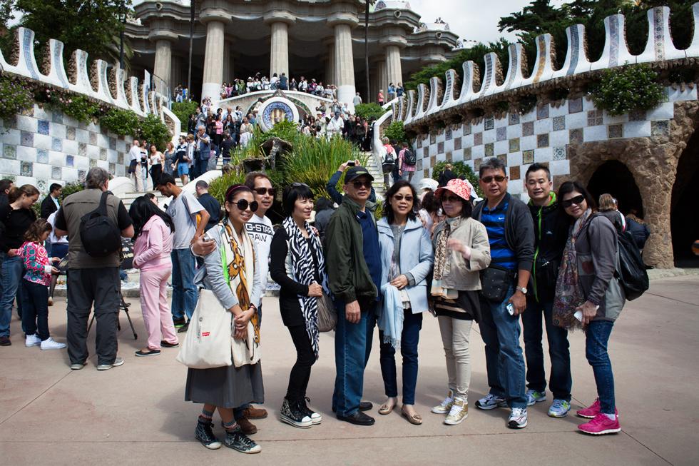touristes japonais parc guel barcelone