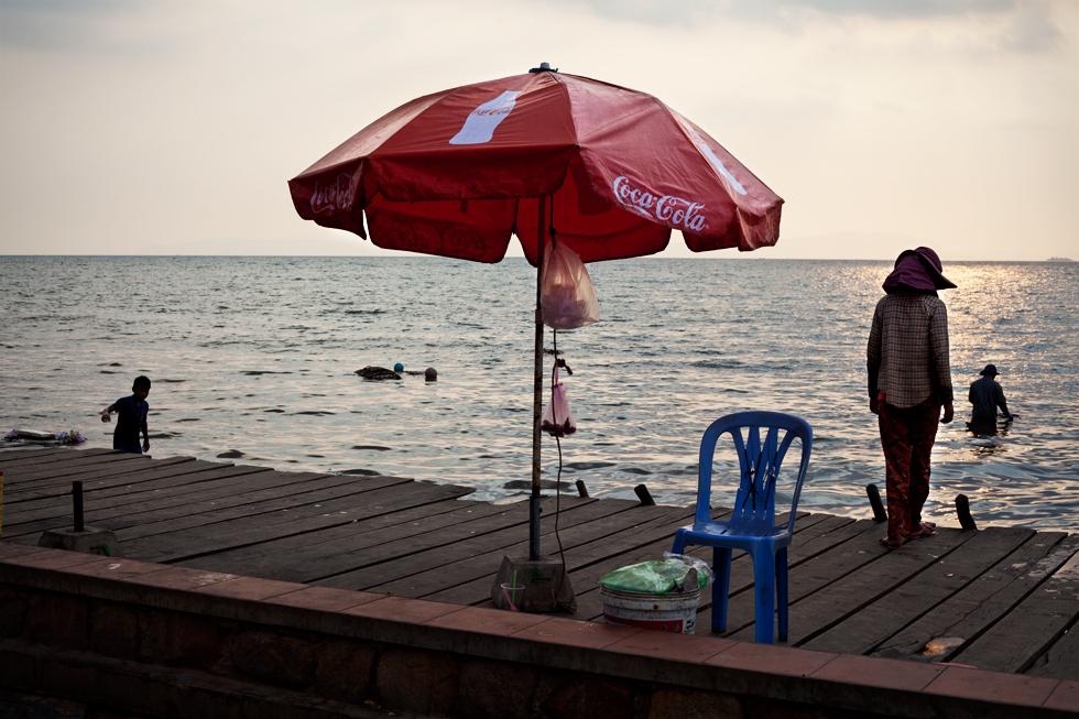 Marché aux crabes à Kep, Cambodge : .