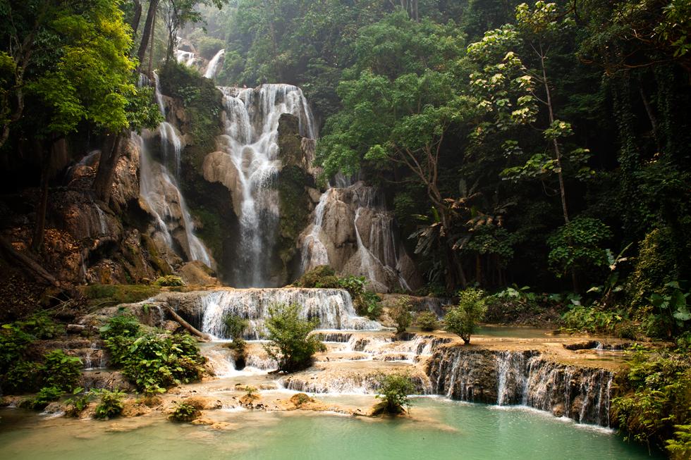 Cascade à Kuang Si Fall au Laos : .