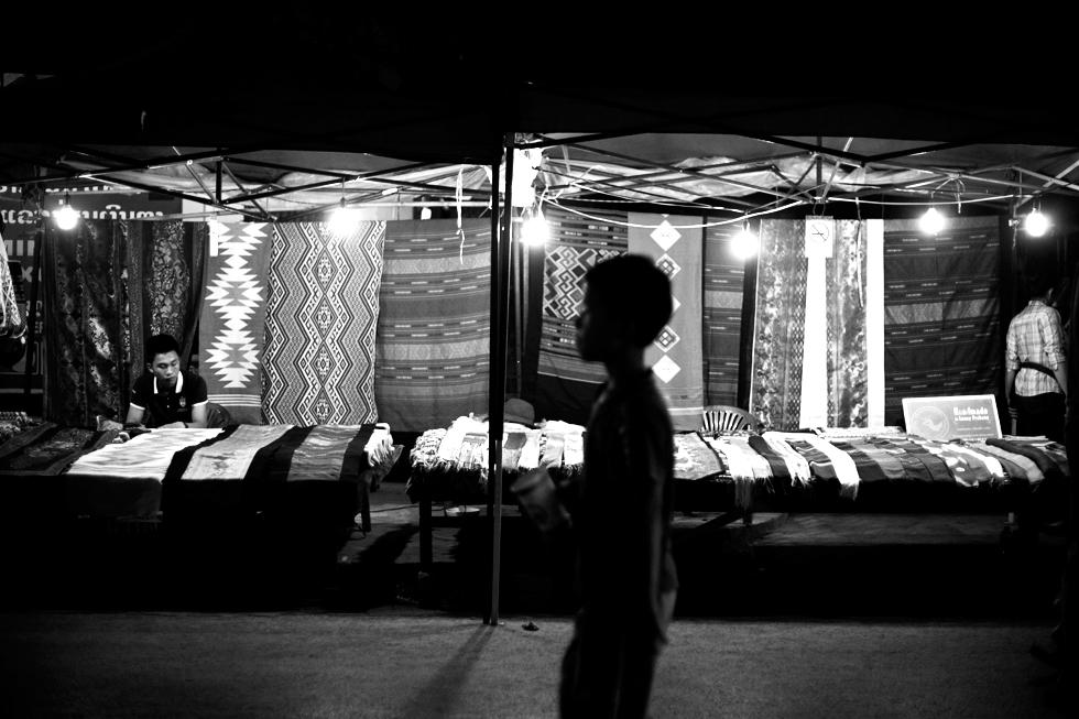 Marché de nuit à Luang Prabang, Laos : .