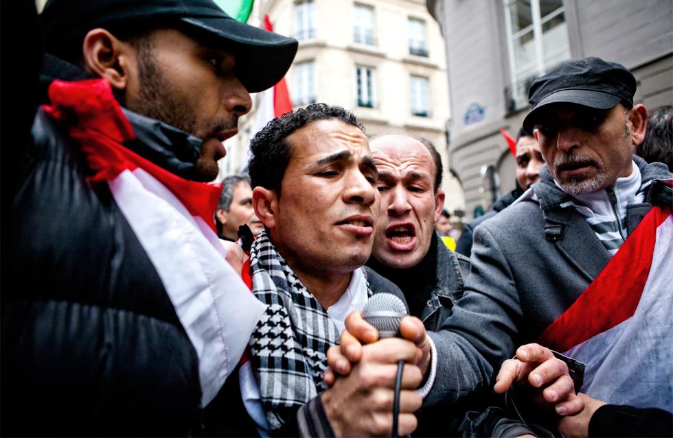 Manifestation algérienne contre le président Bouthéflika Paris : .