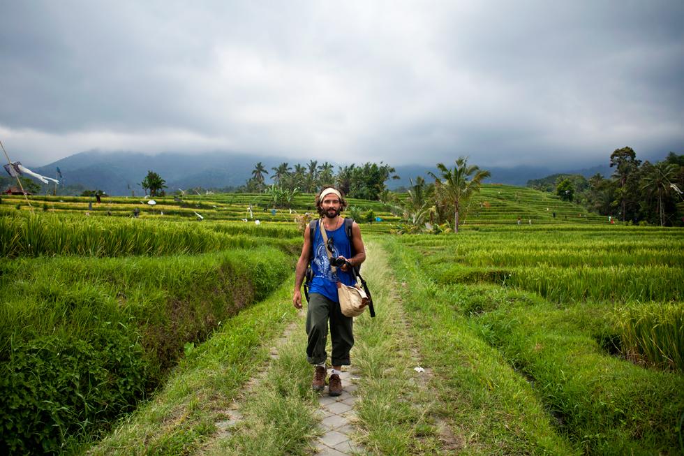 Tinou dans les rizières à Bali : .